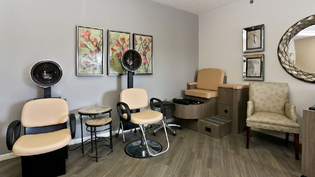 Oak Woods- beauty salon