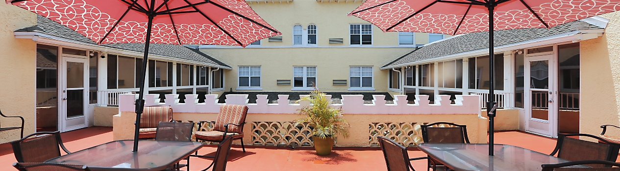Riviera Senior Living patio