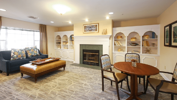 Carriage House Lounge