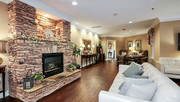 Eagles Landing Lounge with Fireplace