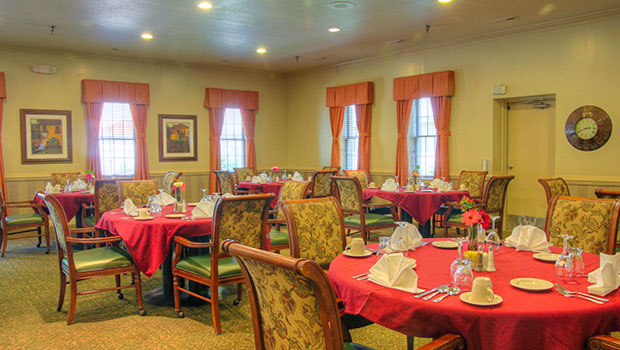 Dominion Village at Williamsburg Dining Room
